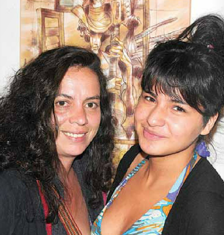 Christiane D'Espinay y Salomé Quitto. Foto: Diario La Hora