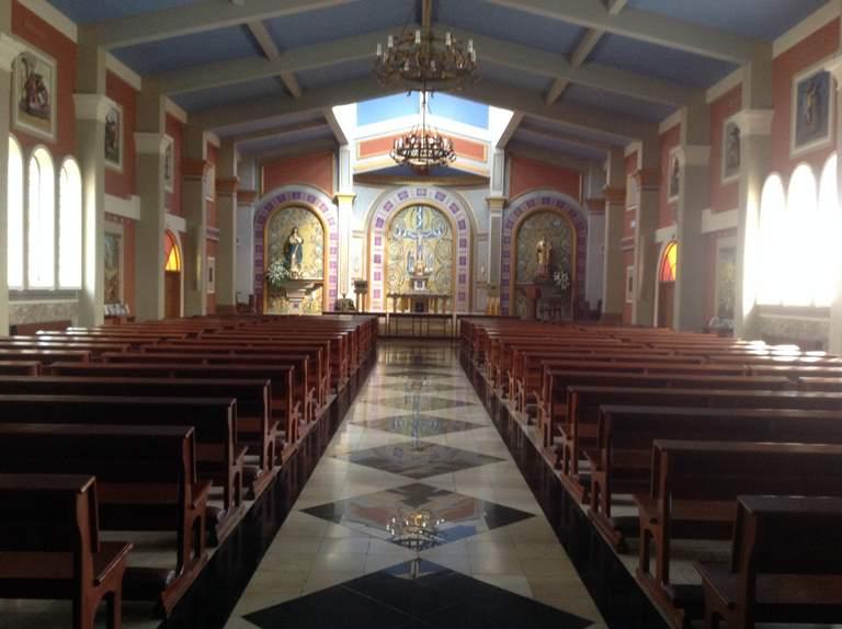 Iglesia JoséMaría Escrivá de Balaguer, en la vía a Samborondón. Casarse aquí requiere $740, incluida la música nupcial.