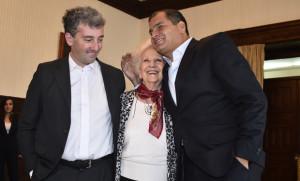 Estela de Carlotto y su nieto visitaron al presidente Correa.