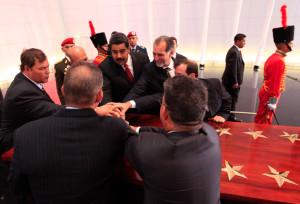 """Nicolás Maduro nombró """"Heroes de la Patria Grande"""" a los cinco cubanos."""