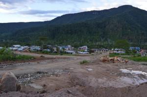 Una panorámica del centro poblado de la parroquia Tundayme, cantón El Pangui, provincia de Zamora.