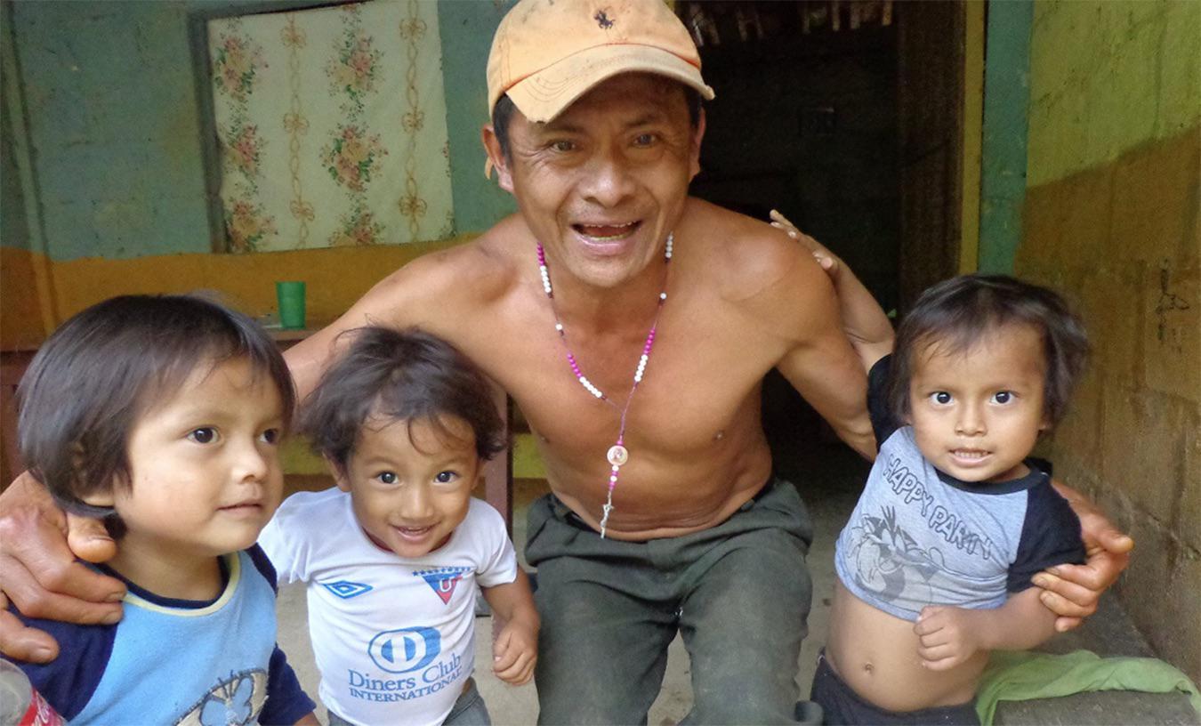 José Isidro Tendetza tenía 47 años cuando fue asesinado. Sus hijos lo recuerdan por su rectitud y capacidad el trabajo.