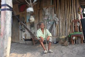 Don Pedro, abuelo materno de Luis Alberto, está feliz de contar con la compañía de su nieto.