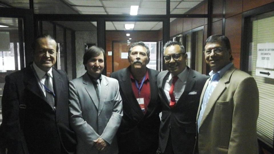Primero a la izquierda Robert Guevara, expresidente de la Tercera Sala. En medio Hector Cabezas, exintegrante del Tribunal y al extremo derecho el otro exmiembro, Pedro Iriarte.