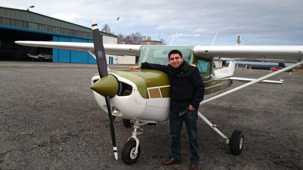Javier Lamar es hijo de migrantes ecuatorianos, ahora vive en Dinamarca.
